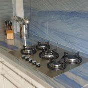 Azul Macaubas - Flächenbündig eingelassenes Kochfeld; Wandverkleidung