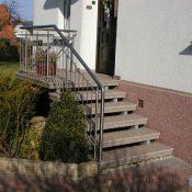 Balmoral - Betonverstärke Trittstufen auf Stahlholmen