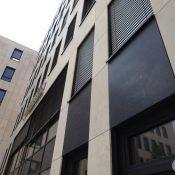 Jura Beige/ Nero Angola - Vorgehängte und hinterlüftete Fassade, Oberfläche geschliffen