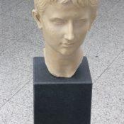 Nero Assoluto - Standsäule
