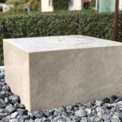 Outdoor-Keramik - Quellstein auf Gehrung verklebt