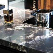 Compac Ice Black - Detail durchlaufende Textur